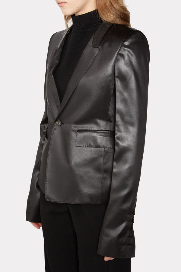 60CM SOFT TAILORED BLAZER IN BLACK LIQUID LATEX SATIN.