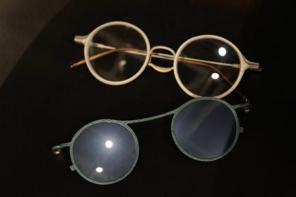 Silver/Clear frame sunglasses w/ Ink/m.mirror clip