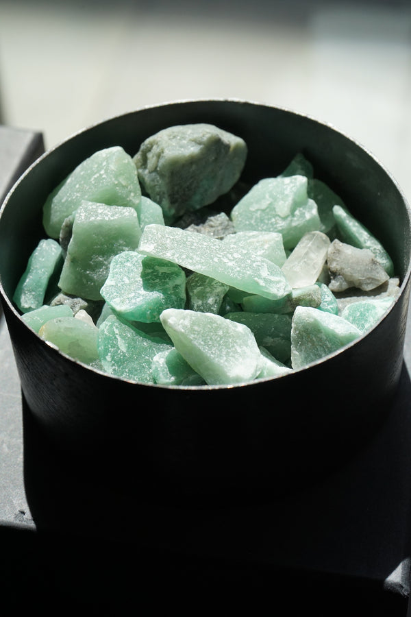 POT TOTEM MEDIUM GREEN ADVENTURINE