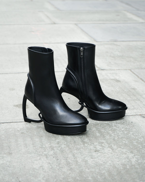 WOMENS RUNWAY HEELD ZIP BOOTS - VITELLO SETA CRUST NERO