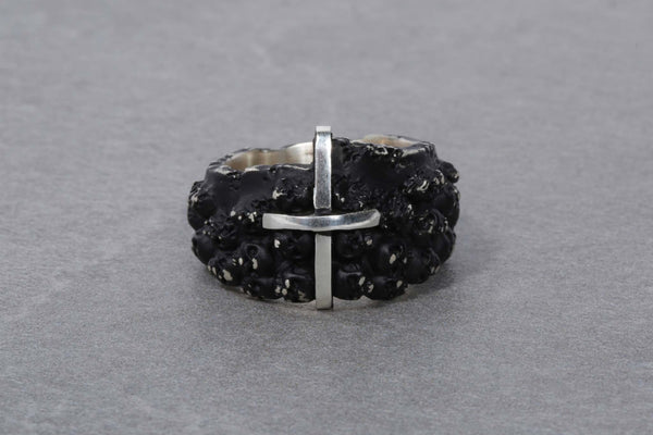 Black Rotten Multi Skulls Ring