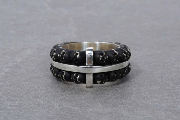 Black Narrow Multiple Skull Ring