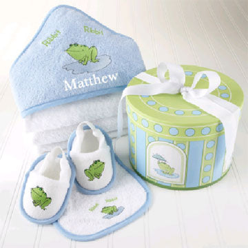 Personalized Finley The Frog Hooded Towel Four-Piece Gift Set