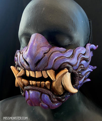 SNARL HALF MASK- IRIDESCENT PURPLE WITH GOLD