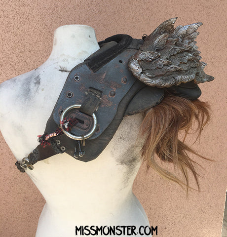 WASTELAND ARMOR- SHOULDER PAD SHARK TOOTH
