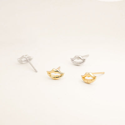 golden lips 18k gold plated sterling silver stud cute lipstick mini small tiny dainty earrings