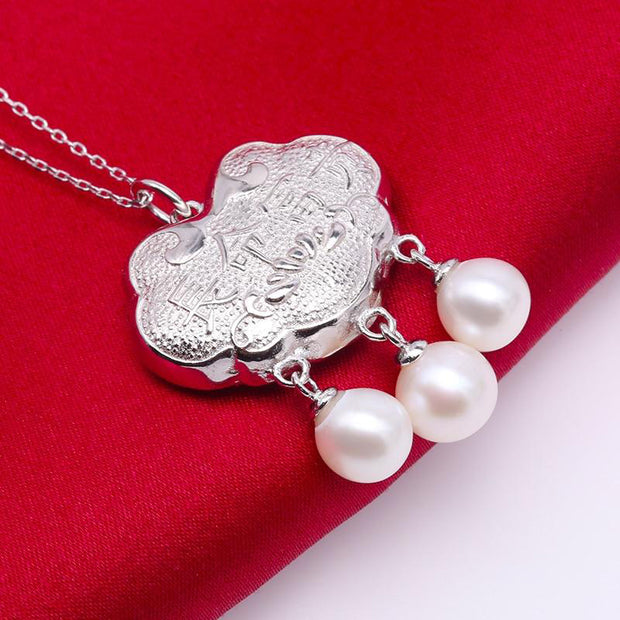 Sterling Silver Longevity Lock Freshwater Cultured Pearl Necklace