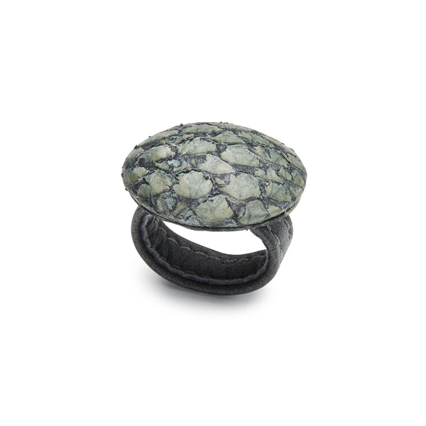 LIVA ring, salmon, green