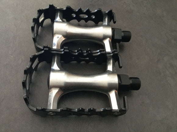 PEDALS MTB/RACING ALLOY SLV/BLK 9/16 VP