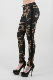 CAMO PANTS WITH STRIPES