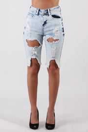 DISTRESSED BERMUDA DENIM