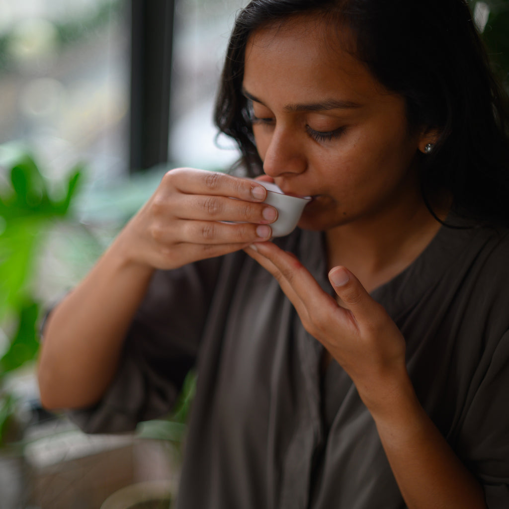 A Beginner's Guide to Tasting Tea