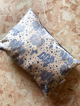 Load image into Gallery viewer, Elements Linen Cushion 43 x 27cm