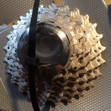 Load image into Gallery viewer, CASSETTE : Shimano 10 Speed CS-6700 ULTEGRA Cassette [11-25T]