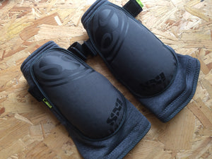 ARMOUR : 661 D30 Evo Elbow 2 Guards [L]