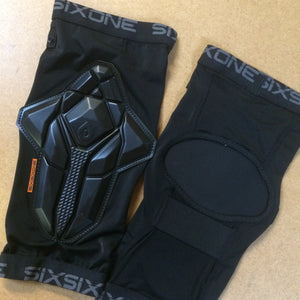 ARMOUR : 661 Recon Knee Guards
