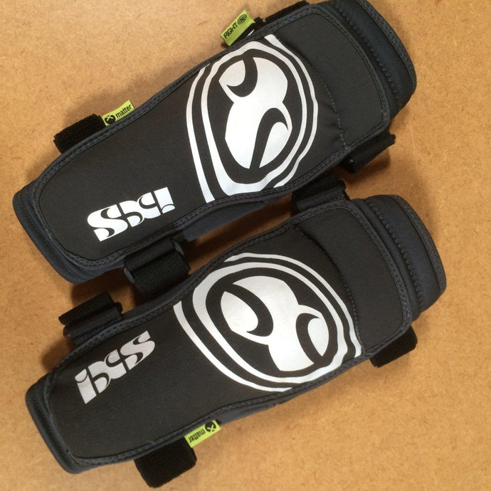 ARMOUR : IXS Carve EVO Kids' Elbow Guards [Large]