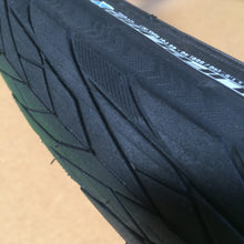 Load image into Gallery viewer, TYRE : LifeLine Essential Commuter Tyre [40-559] [26x1.5]