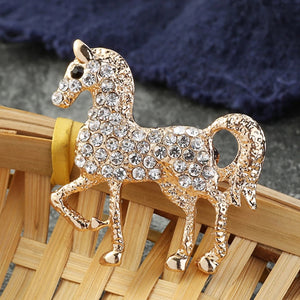 CRYSTAL HORSE BROOCH GOLD