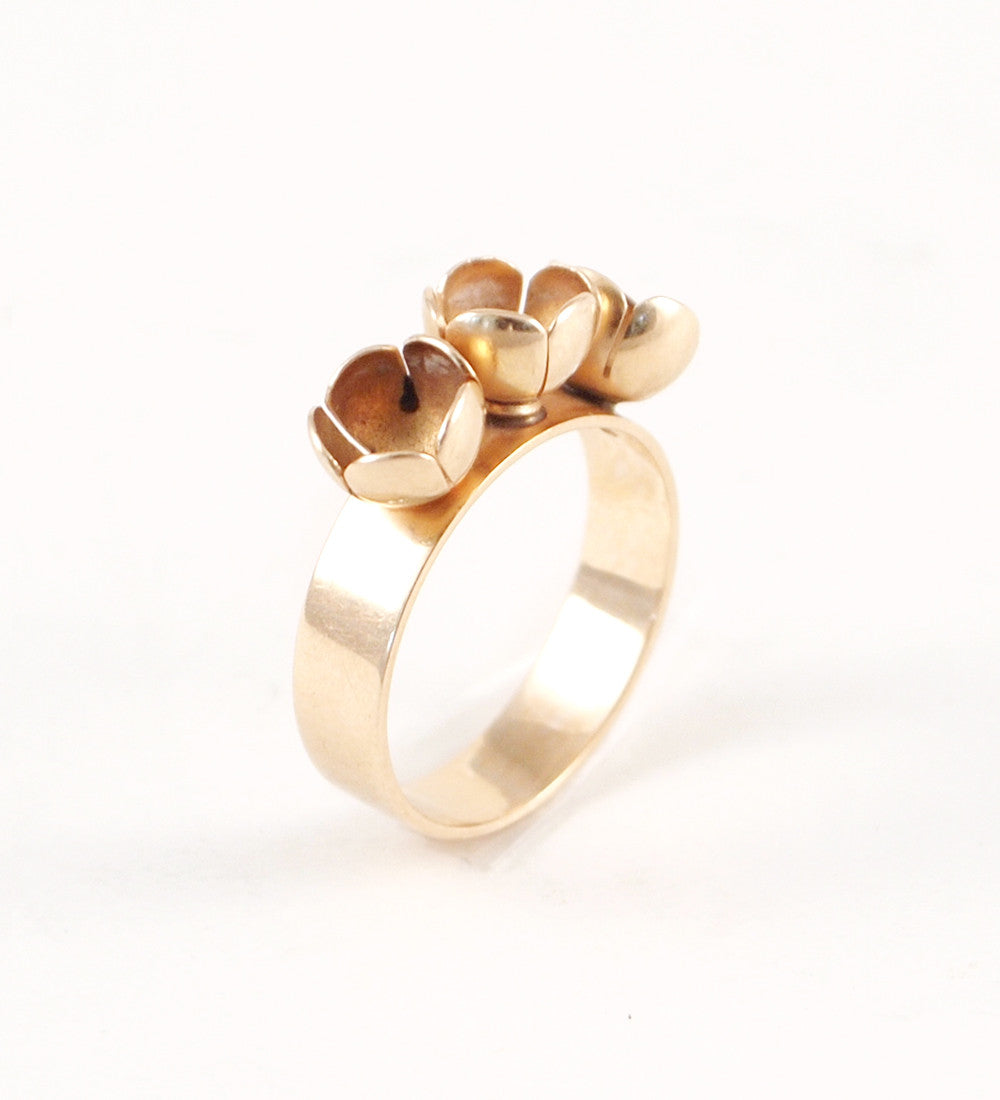 "Liisa Vitali 14k Gold ""Lumikukka"" Ring - Sold - Hopea"