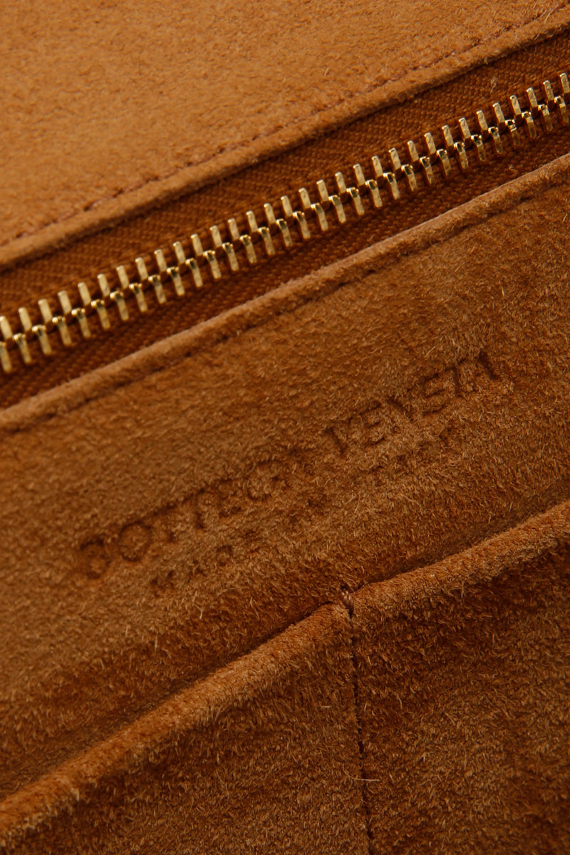 Bottega Veneta Grainy Calfskin Medium Arco Plaster