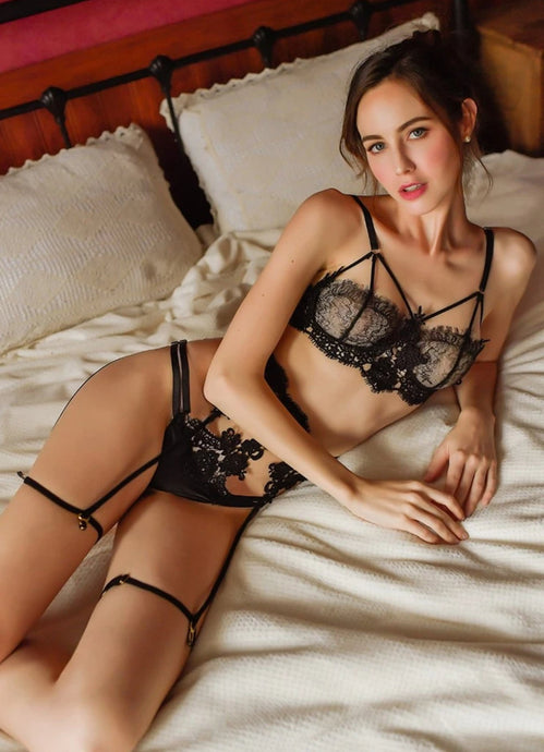 Diana Black Lace Trim Garter Playset (3-pieces)