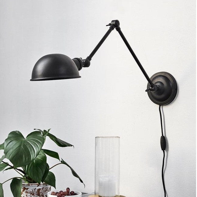 Aura Black Wall Lamp