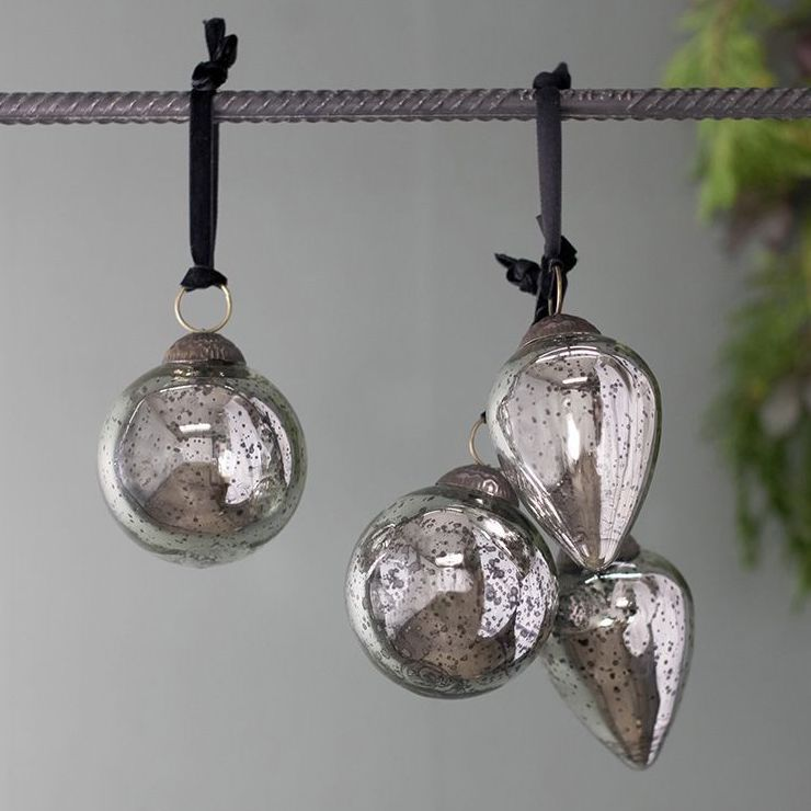 Set of 4 Mazi Antique Bauble