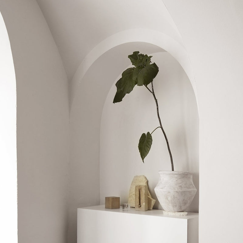 Grecian White Pot