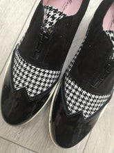 Load image into Gallery viewer, Maria Leon Black Houndstooth Shoes