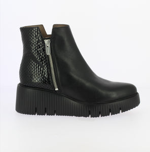 Wonders Track Sole Ankle Boot Black
