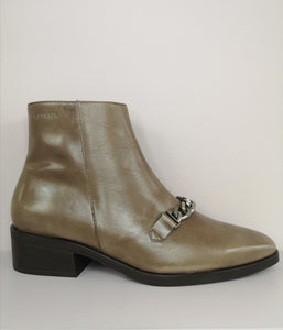 Wonders Chelsea Boot with Chain detail Taupe