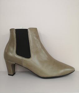 Wonders Tapered Toe Ankle Boot Taupe
