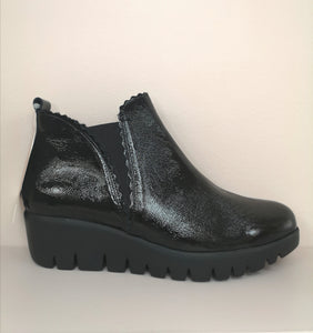 Wonders Wedge Boot Black Patent
