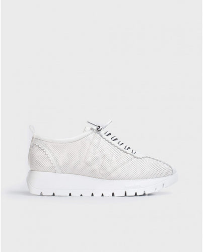 Wonders Sneaker in Perforated Leather