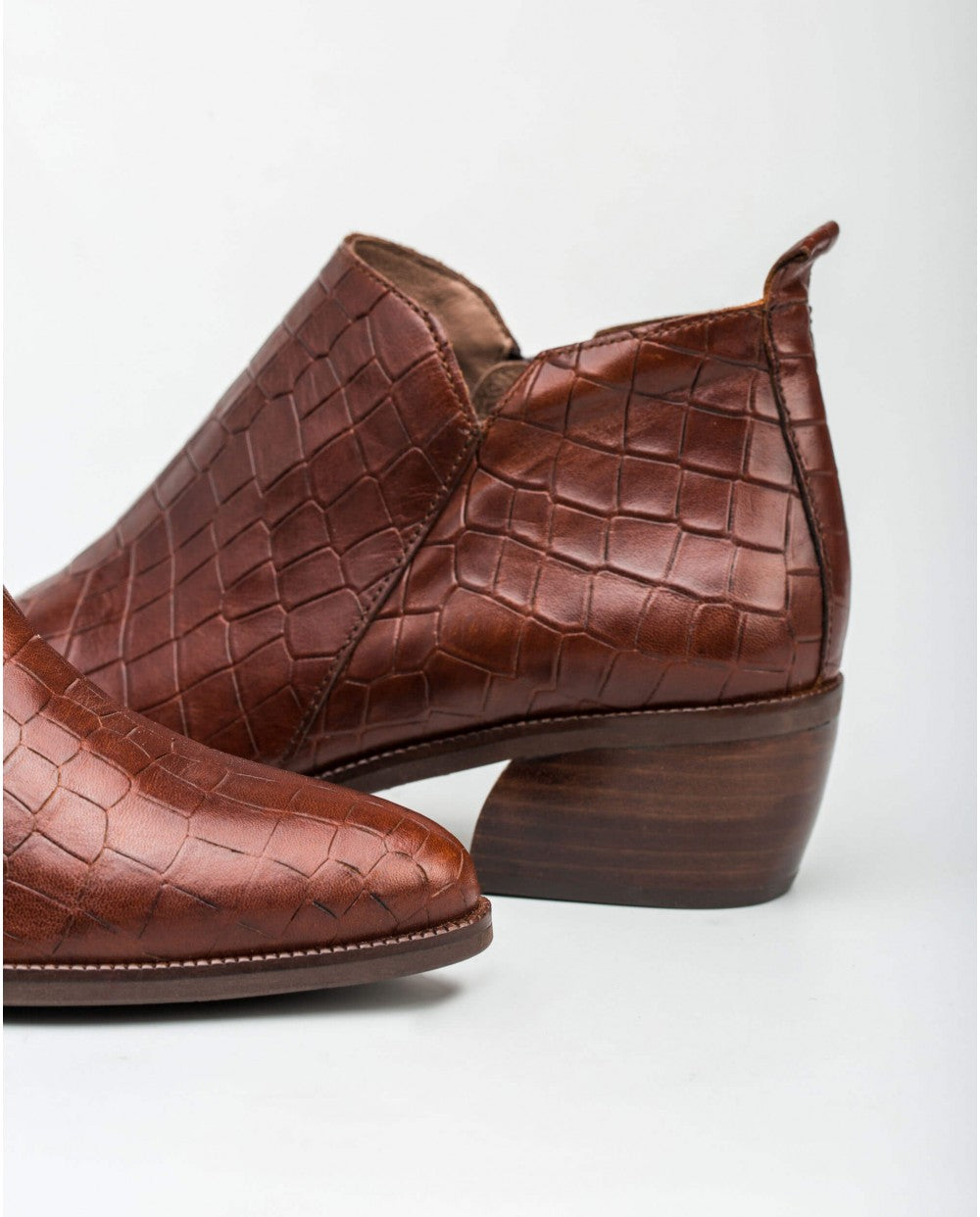 Wonders Mock Croc Leather Ankle Boot