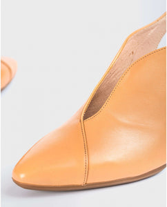 Wonders Deep V Sling back