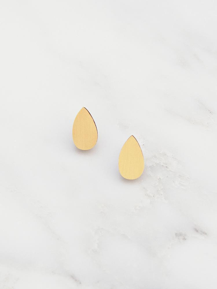 Wolf & Moon Raindrop Studs Brushed Brass