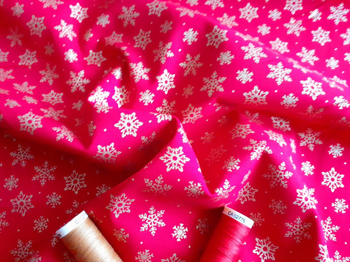 Christmas Traditional Snowflakes Metalic on a Red Background 100% Cotton