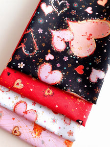 Quilting Treasures With Love Hearts Fat Quarter Bundle