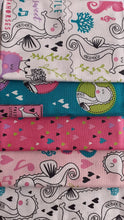 Load image into Gallery viewer, Sweet Little Seahorses & Hearts Fat Quarter Bundle 100% Cotton