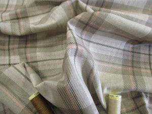 Linen Tartan Watch Taupe on a Natural Background