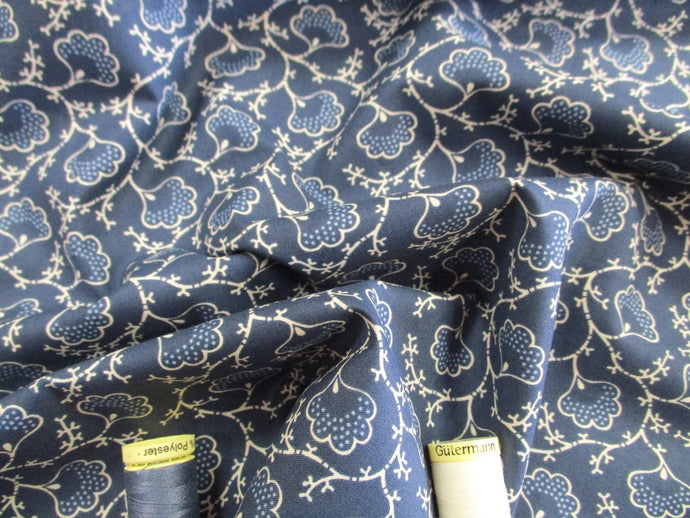 Clothworks Design Vine Leaves Ivory on Navy 100% Cotton