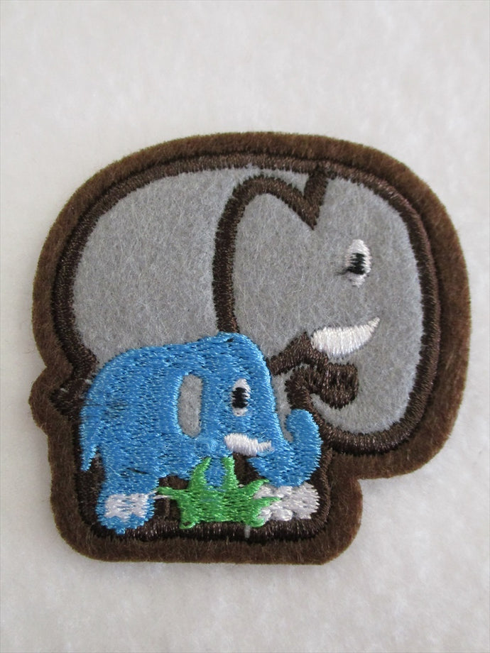 Elephant & Baby Sew on or Stick on Embroidered Fabric Motif 5.5cm x 6.5cm