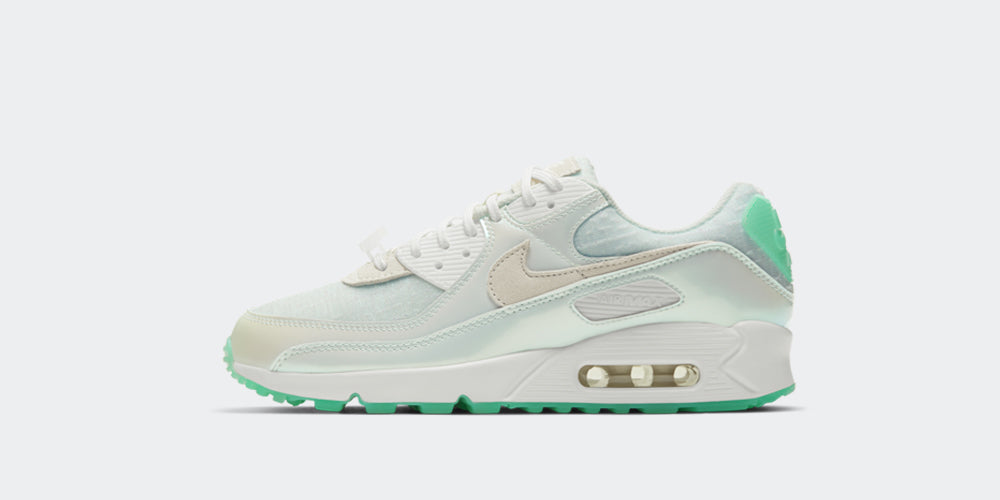 Nike Womens Air Max 90 NH