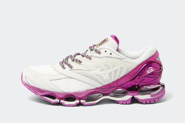 Mizuno Wave Prophecy x GCDS