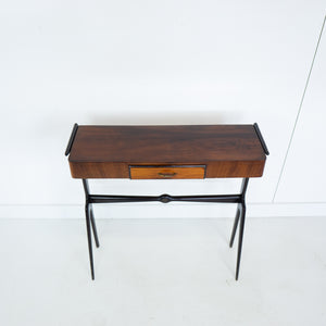 Side table van Rozen hout