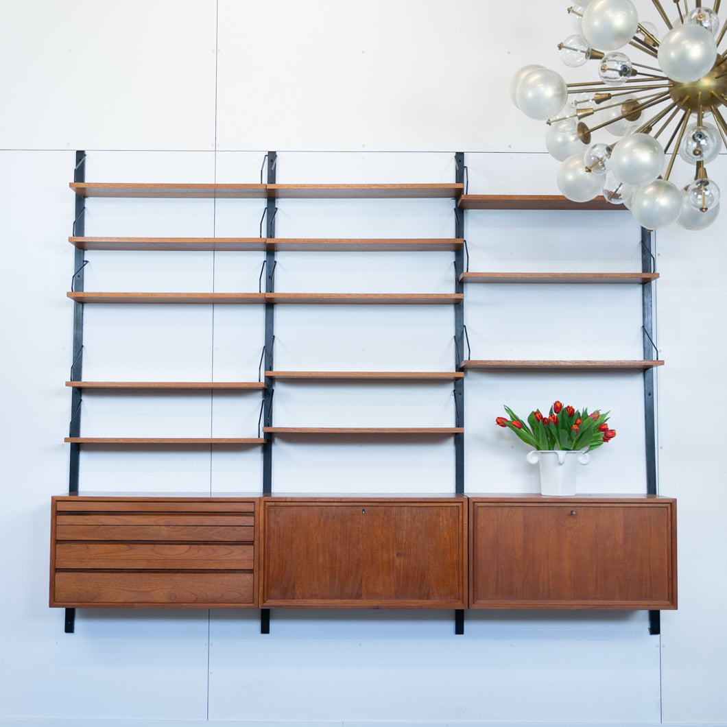 Cado Royal System Wall Unit van Poul Cadovius