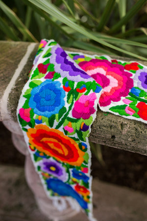 Jardin de Eden Table Runner