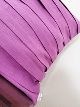 Load image into Gallery viewer, Pleated Pillow Cover - Linen (purple)